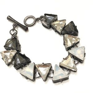 ANTHROPOLOGIE chunky toggle triangle bracelet